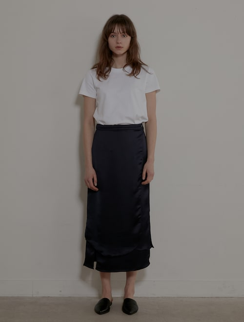 e58a9a4b0 Grid Seoul [오픈 특가]Wave Silky Wrap Skirt - Navy USD 189.71 USD 226.66 16%