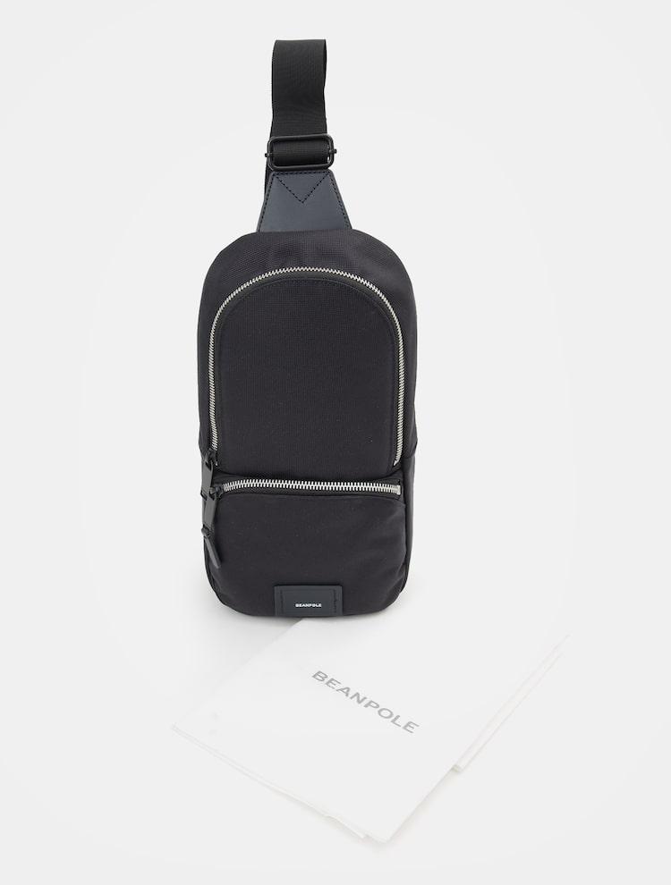 빈폴 액세서리(BEANPOLE ACCESSORY) 남성 네이비 베이스 S 슬링백 (BE96D2W02R)