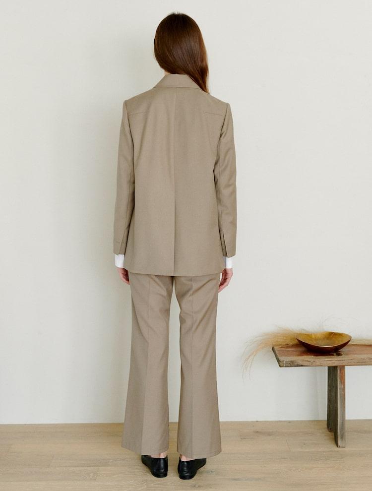 오이아우어(OIAUER) Two Button Jacket in Khaki