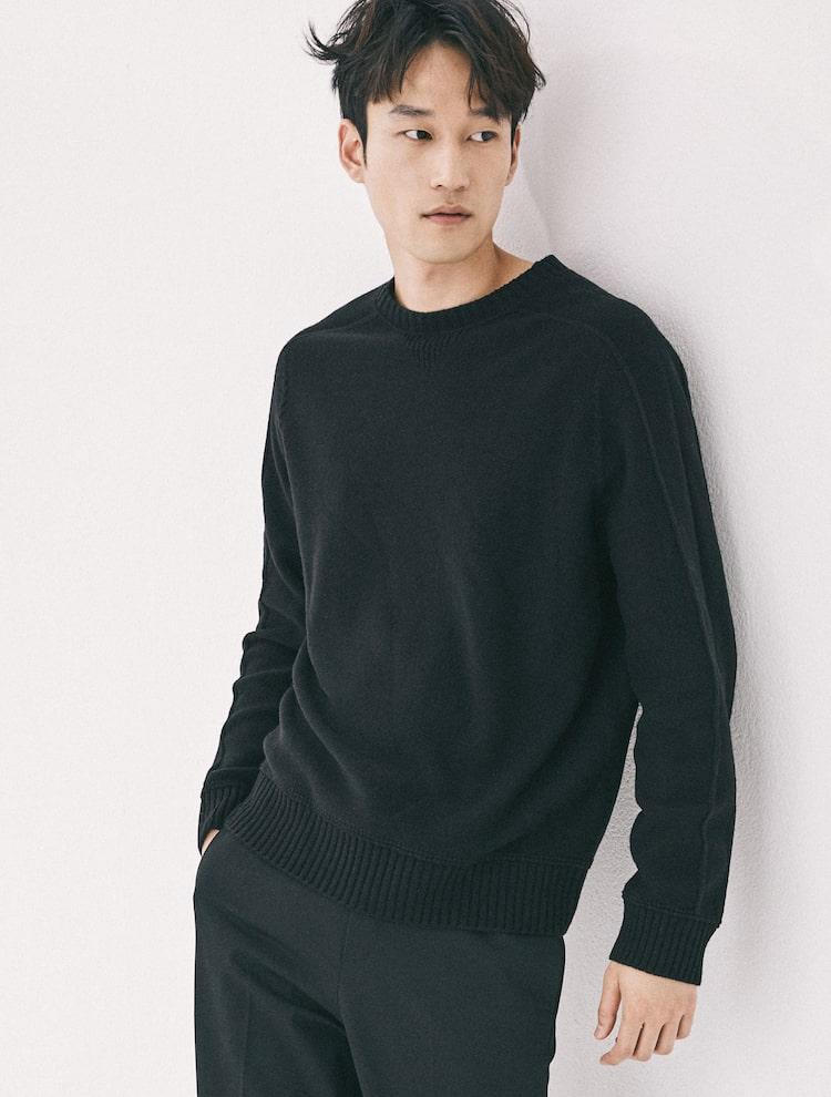 엠비오(MVIO) 블랙 홀가먼트 라운드 스웨터