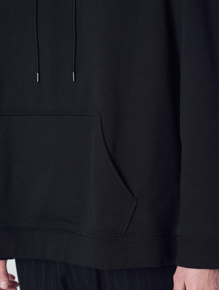 에잇세컨즈(8SECONDS) 블랙 코튼 백 실사 후드 티셔츠 (269141C125)