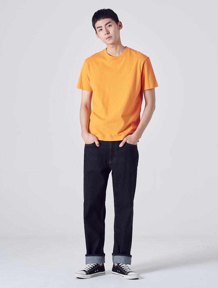 에잇세컨즈(8SECONDS) [LAB8] 오렌지 솔리드 라벨링 티셔츠 (459142GL38)