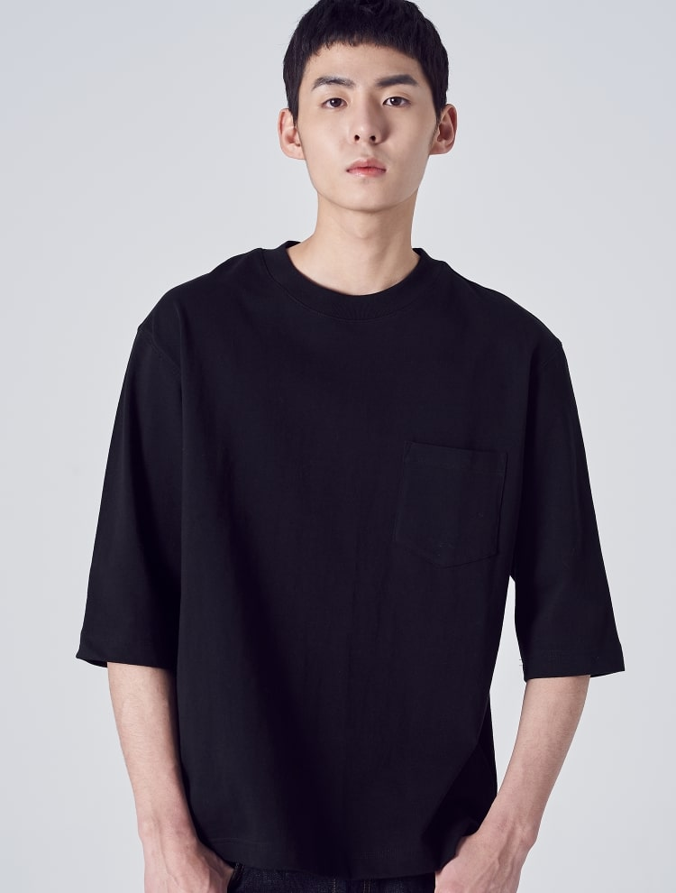 에잇세컨즈(8SECONDS) 블랙 코튼 포켓 오버사이즈 7부 티셔츠 (459141GY15)