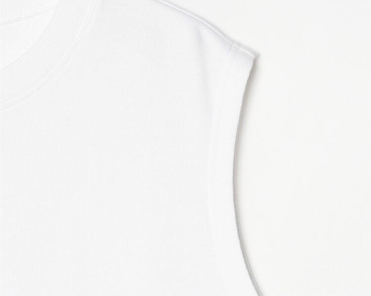 에잇세컨즈(8SECONDS) 화이트 코튼 솔리드 슬리브리스 티셔츠 (269442C321)