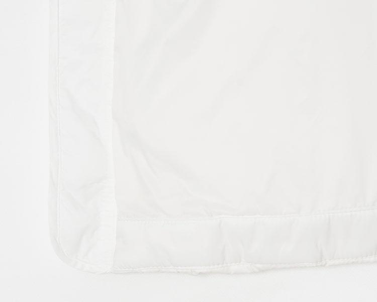 빈폴 스포츠(BEANPOLE SPORT) 화이트 여성 하이브리드 다운 베스트 BO9138C021