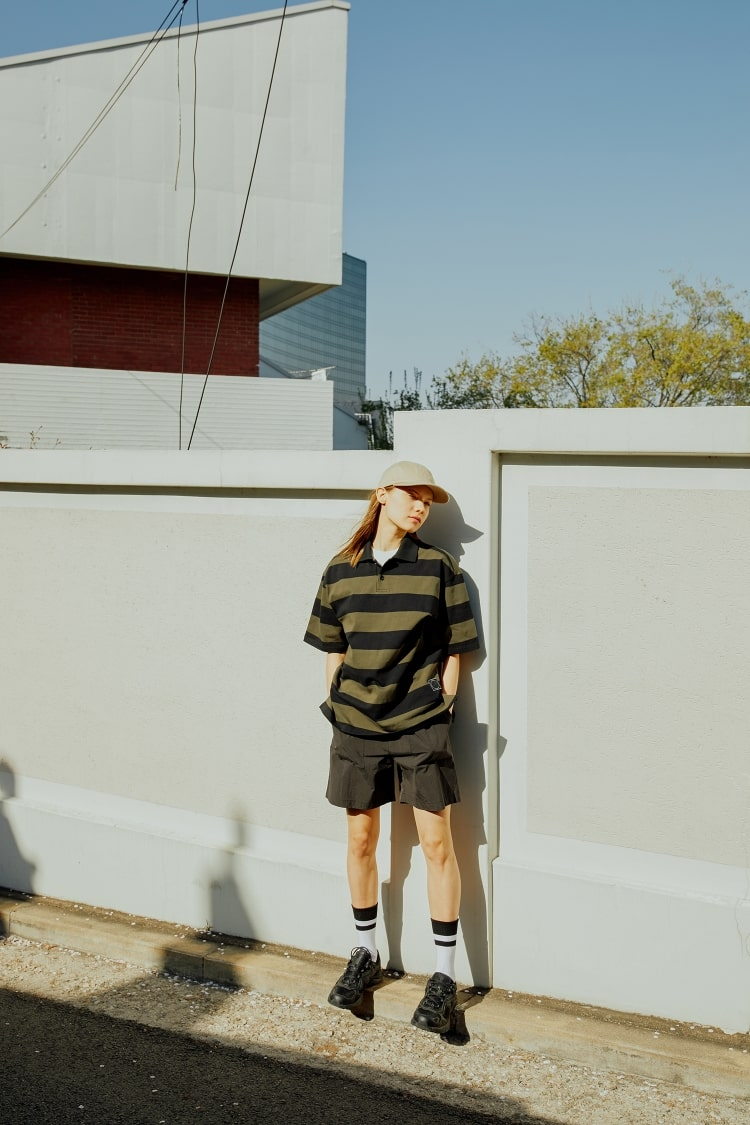 빈폴 스포츠(BEANPOLE SPORT) Unisex 카키 오버핏 스트라이프 럭비 반팔 티셔츠 (BO9442S12H)