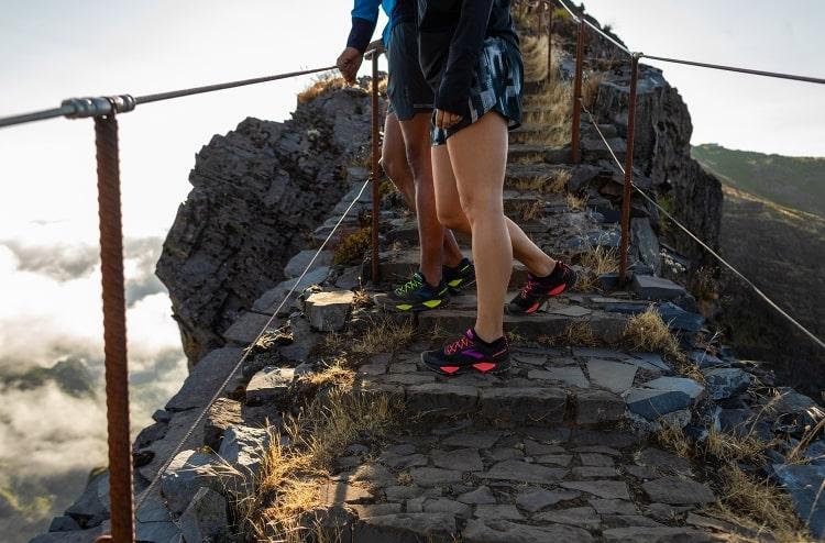 브룩스(BROOKS) [Trail] 여성 캐스캐디아13 트레일화 아쿠아블루 (BX91K3U01M)