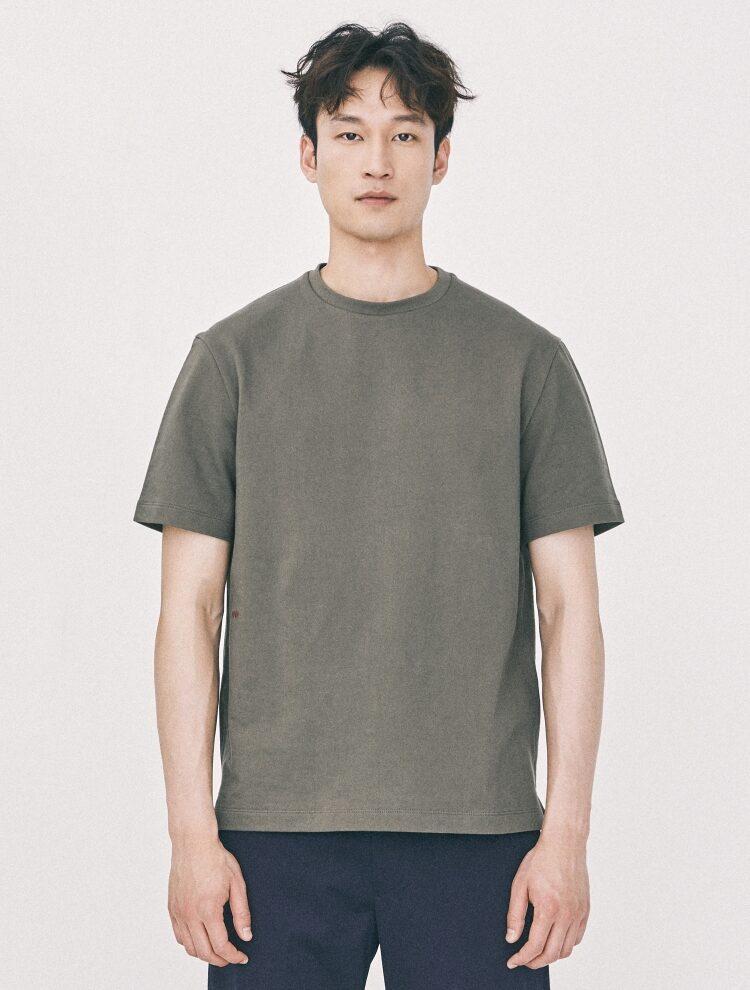 엠비오(MVIO) [MA:SIL] 카키 프리미엄 코튼 로고 엠브로이더리 반팔 티셔츠