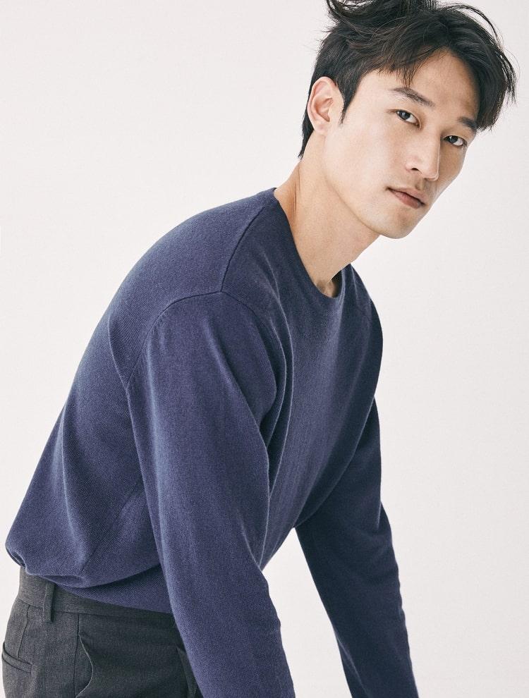엠비오(MVIO) 블루 캐시미어 혼방 라운드 스웨터