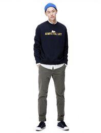 [KAKAO FRIENDS] TUBE 레터링 라운드넥 스웨트 셔츠