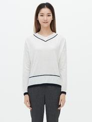 화이트 브이넥 데일리 스웨터
