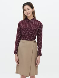버건디 하트 패턴 포켓 셔츠