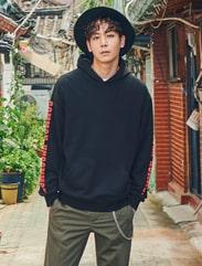 [8 X 지디스픽] 소매 그래픽 오버핏 후드 스웨트 스웨거_ G-Dragon GD 지드래곤 콜라보